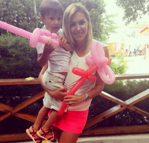 Яна Клочкова показала фото с сыном