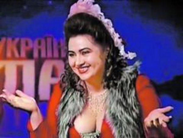 """""""Жена"""" Киркорова станцевала с ним во время его выступления"""