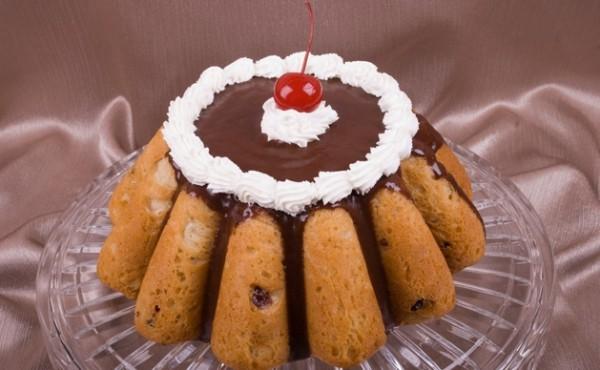 Рецепт                  Ромовая баба с вишнями и орехами