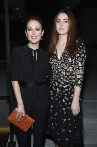 Джулианна Мур с дочерью фото