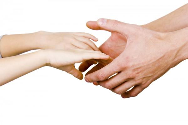 Как выбрать крестных родителей