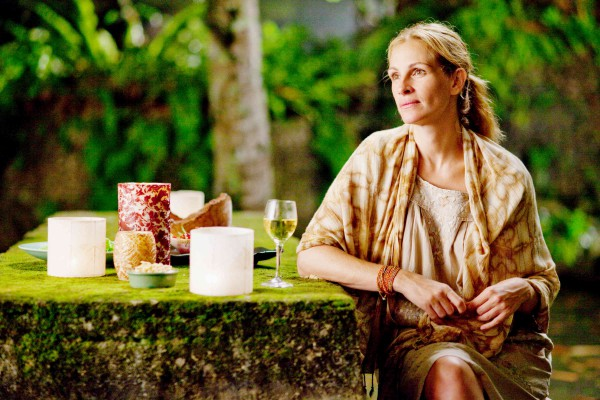 Ешь, молись, люби (2010): Путешествуй вместе с героиней Джулии Робертс в красочную Италию, индию или Бали, чтобы найти себя.