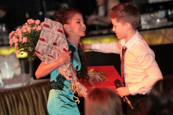 Андрей Бойко и София Тарасова, победительница прошлогоднего конкурса Детская Новая волна