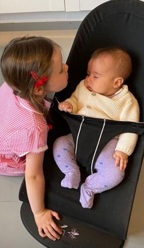 В Сети появились первые снимки шестого ребенка Джуда Лоу