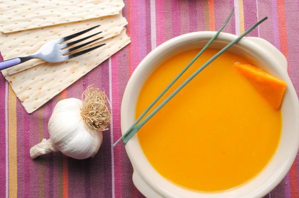 Постный тыквенный суп с сельдереем