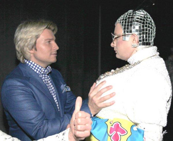 Николай Басков поплатился за нездоровый интерес к бюсту Верки Сердючки