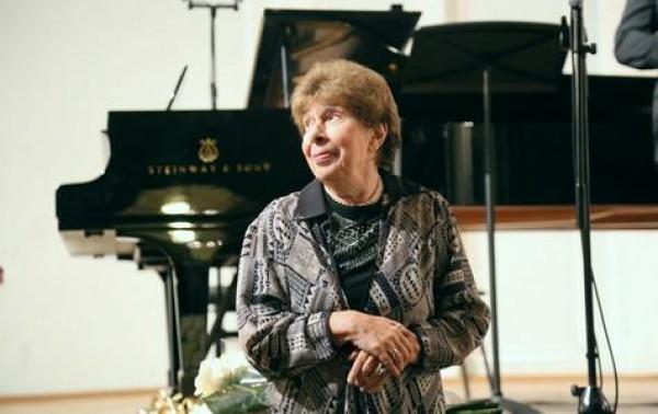 Российская пианистка Вера Горностаева