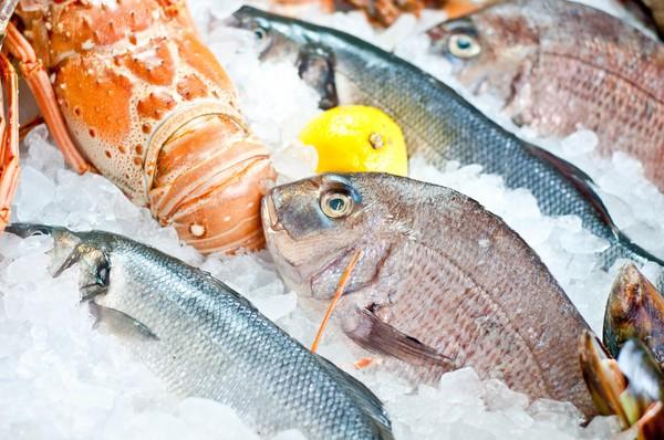 Повара советуют не мыть рыбу