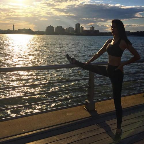 Ирина Шейк показала фото с тренировки