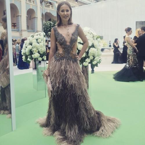 Ксения Собчак в платье от Валентина Юдашкина