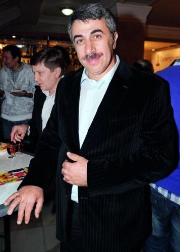 Евгений Комаровский высказался об интересах кандидатов в депутаты