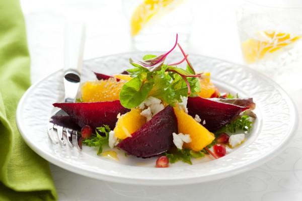 Новогодний салат из свеклы и апельсинов