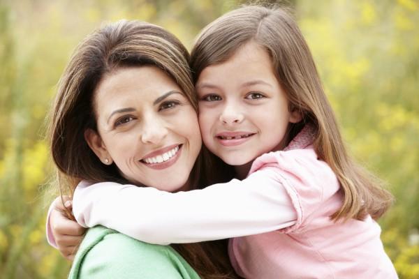 Почитай трогательные стихи ко Дню Матери