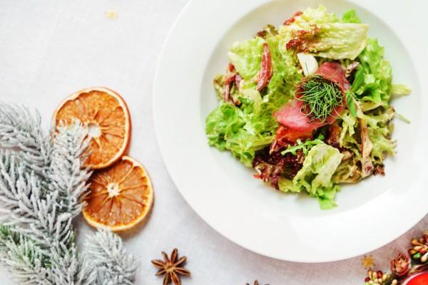 Новогодний салат с прошутто