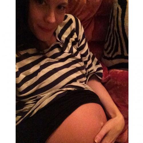 Беременная Лив