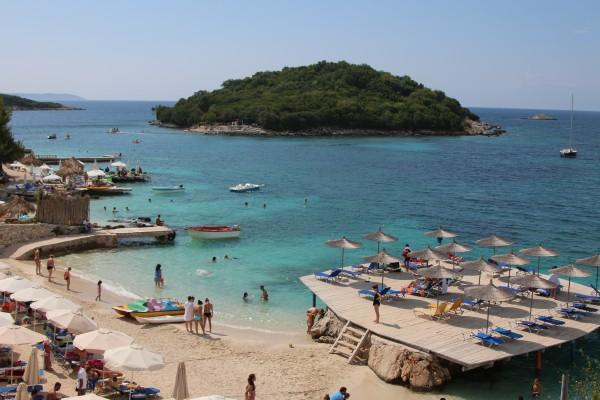 Сексом на пляже в албании