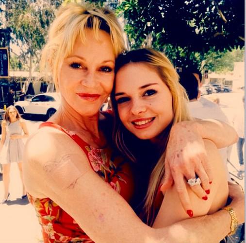 Мелани Гриффит с дочкой