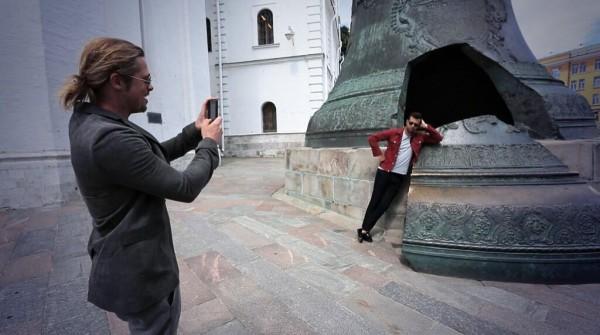 Брэд Питт стал личным фотографом Ивана Урганта