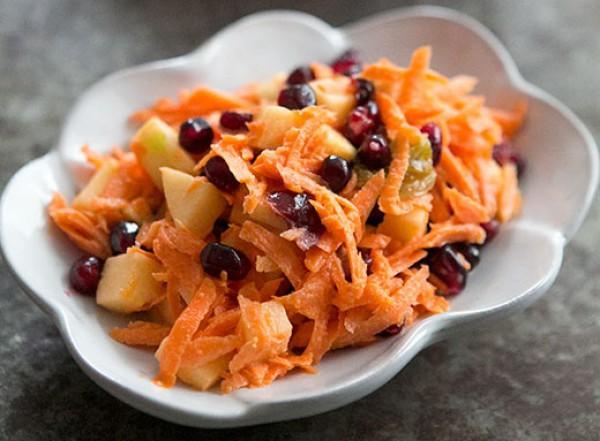 Рецепт                  Морковный салат c яблоками и сухофруктами