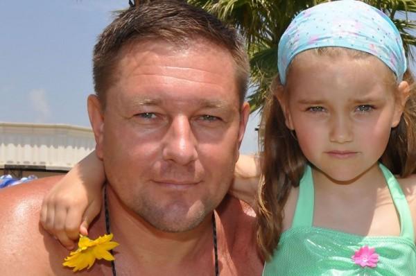 Константин Стогний с дочкой