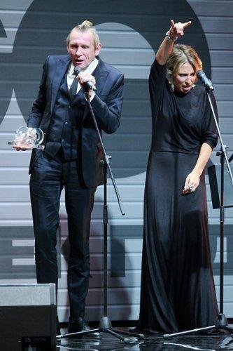 Музыкантом года признали группу Аукцыон. Получать награду за всех вышел Олег Гаркуша