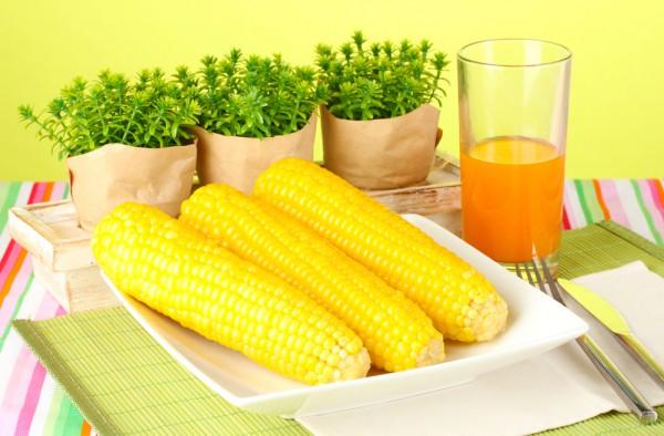 Кукурузу можно варить, не очищая
