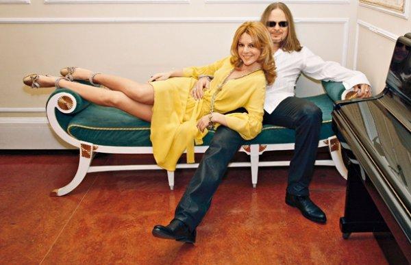 С 2005 года певица Наталья Подольская  и Владимир Пресняков живут вместе. 5 июня 2010 года они сыграли свадьбу. Сейчас Владимир и Наталья ждут первенца (пополнение ожидается в ноябре 2012 года)