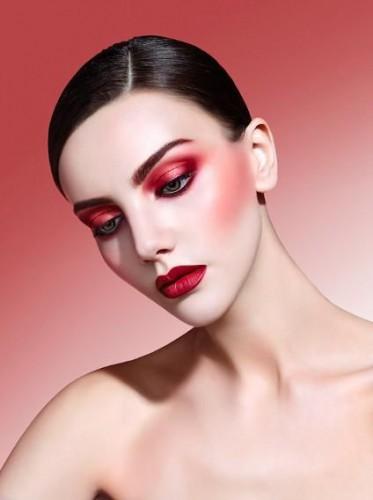 Какой макияж не нравится мужчинам: ТОП-5