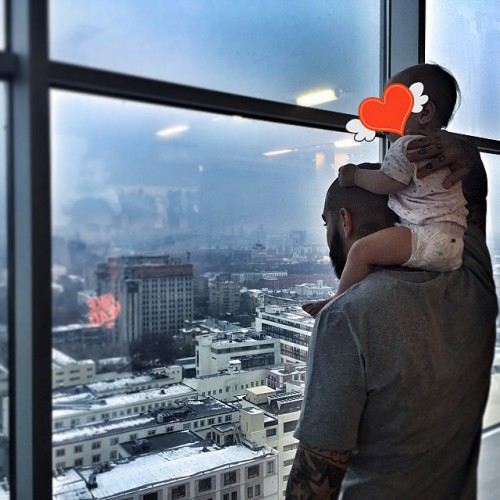 Тимати показал фото с дочерью