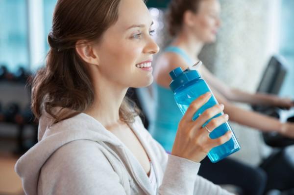 Пить жидкости нужно столько, сколько требует организм