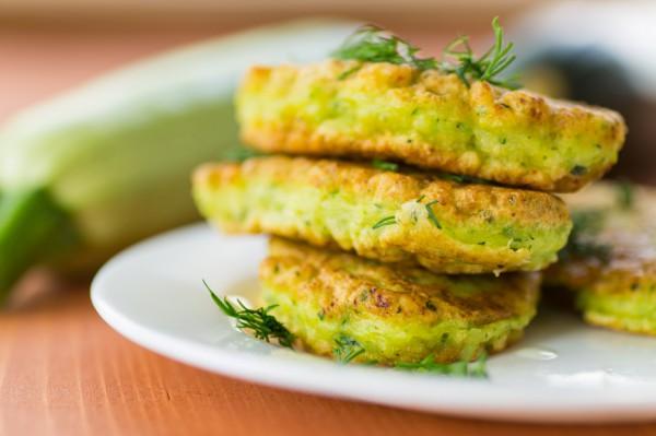 Рецепт                  Оладьи из брокколи с сыром