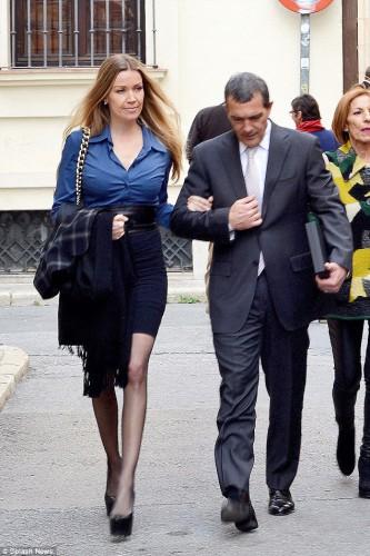 Антонио Бандерас представил родителям свою возлюбленную Николь Кемпел