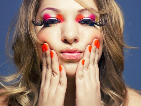 Отправляясь на свидание, лучше не экспериментировать с макияжем