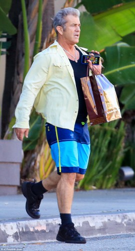 Американский актер Мел Гибсон поразил своим неуклюжим спортивным стилем
