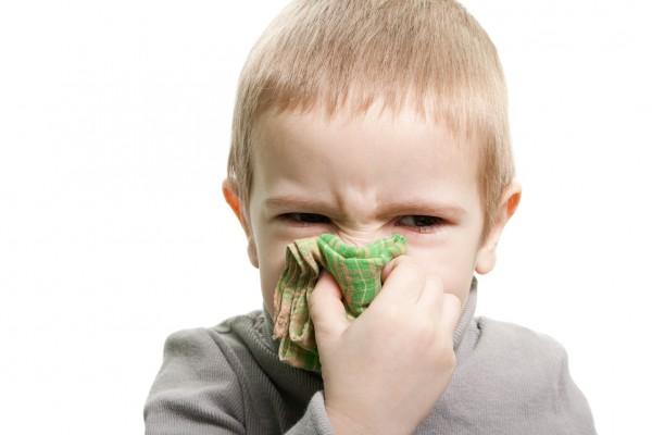 У ребенка заложен нос: как ему помочь