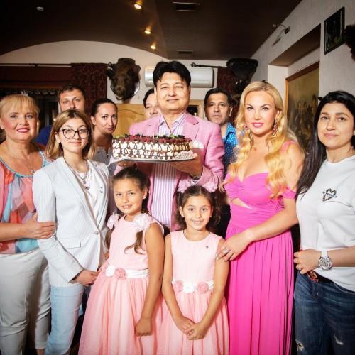 KAMALIYA поздравила мужа-миллиардера с днем рождения необычным подарком