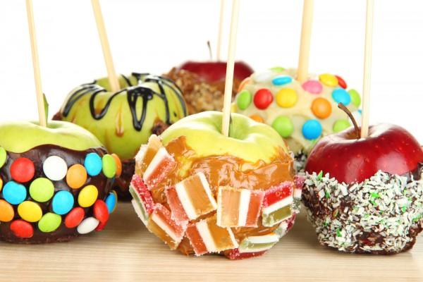 Яблоки в карамели на Хэллоуин