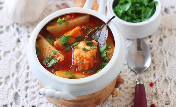 Рецепт                  Томатный суп с судаком и картофелем