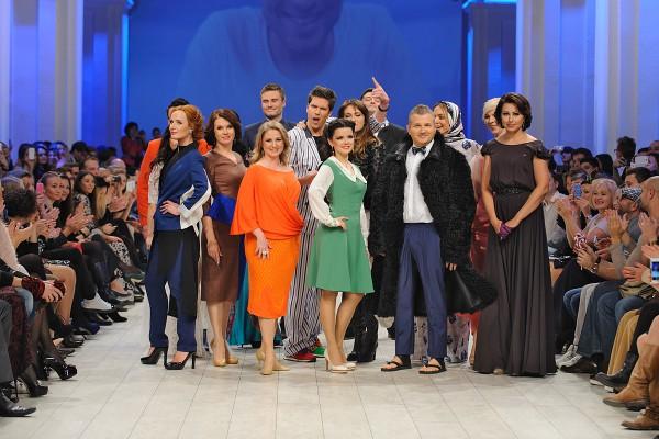 Телезвезды на подиуме UFW в рамках модного шоу