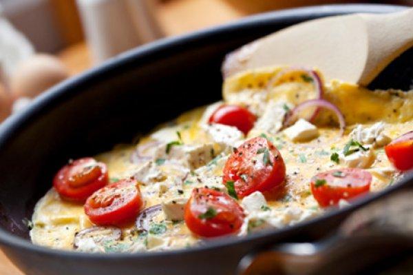 Рецепт                  Омлет с помидорами и фетой
