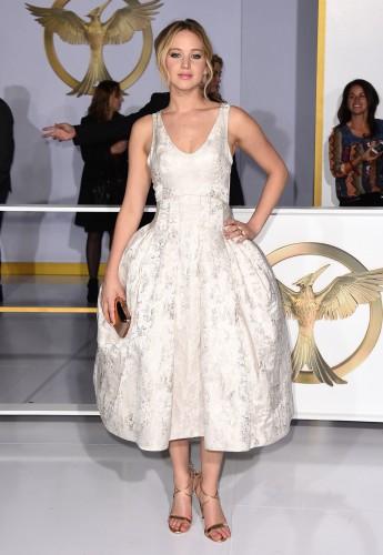 Американская актриса Дженнифер Лоуренс сыграла главную роль в фильме Голодные игры: Сойка-пересмешница