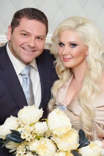 Катя и Дмитрий в апреле 2015 года отмечают годовщину своей свадьбы