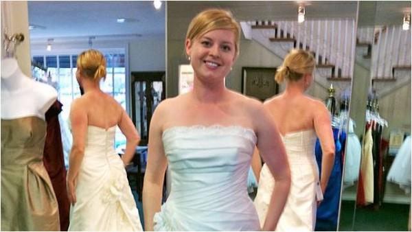 Примерка свадебного платья без зеркала – настоящее испытание для Кирстен