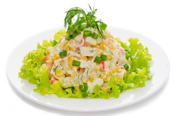 Рецепт                  Простой салат с крабовыми палочками