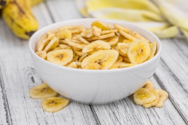 Банановые чипсы в микроволновке