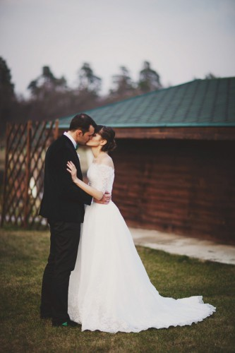 Яркая свадьба весной