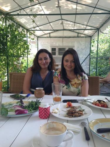 Роза и Ира сразились на кухне