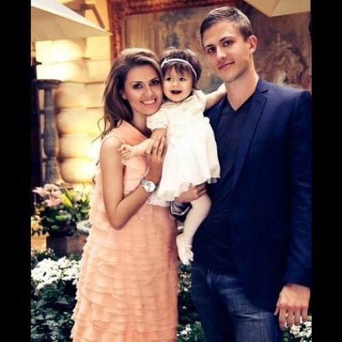 Виктория Боня с любимым мужчиной Алексом и дочкой Энджи