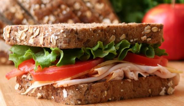 Рецепт                  Сэндвич с ветчиной, помидорами и сыром