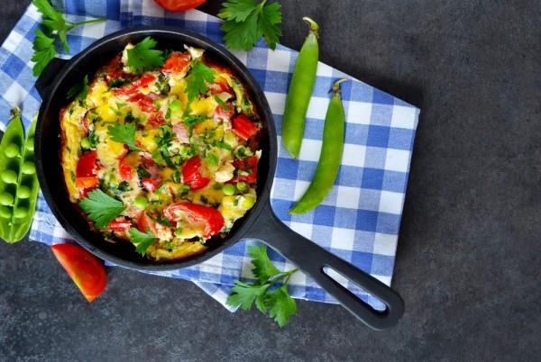 Фриттата на завтрак со шпинатом